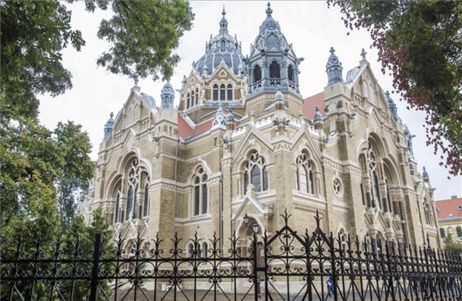 Szeged Synagogue Inaugurated After Reconstruction