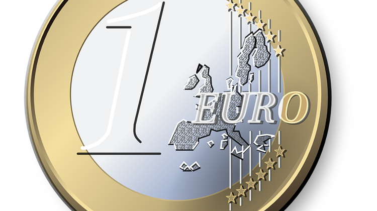 Prominent Public Figures Get Behind Push To Bring The Euro To Hungary