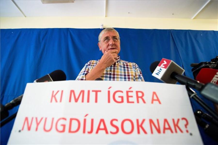 Hungary's Larger Opposition Parties Call For Pension Reform