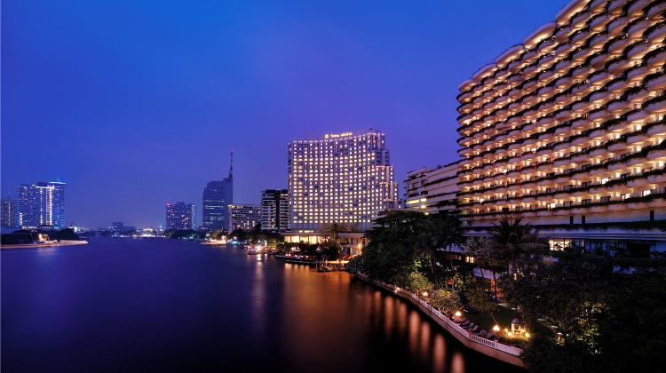 Escape From Budapest to Shangri-La Hotel In Bangkok: A Tropical City Resort