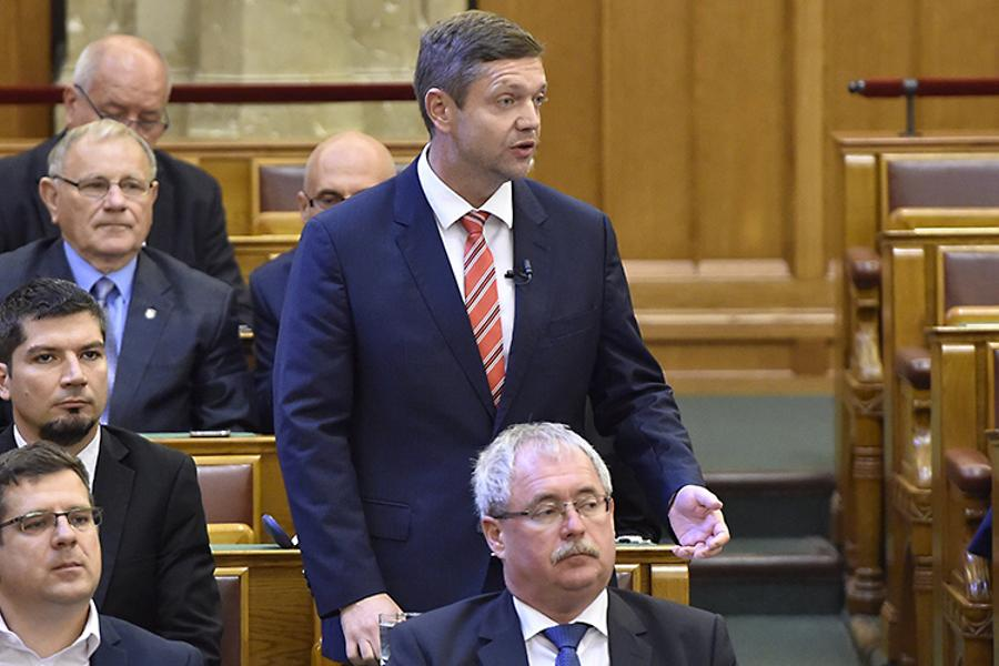 MSZP Announces Partial Boycott Of Parliament