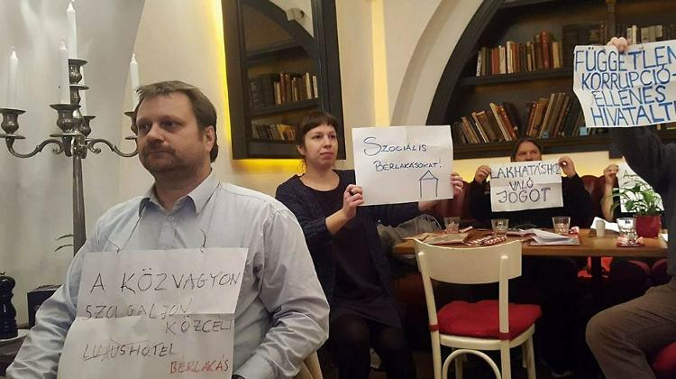 Activist Groups Occupy Pest-Buda Restaurant In Protest Of Government Corruption