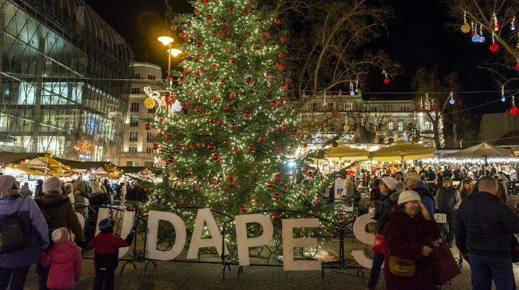 'Christmas Fair 2017' @ Vörösmarty Square, 10 Nov - 31 Dec