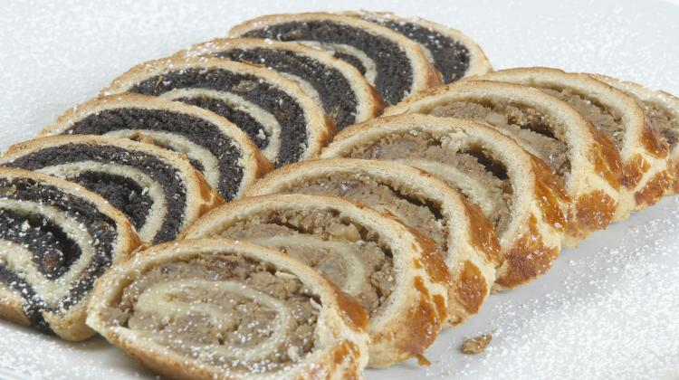 Recipe Of The Week: Beigli - Traditional Hungarian Christmas Cake