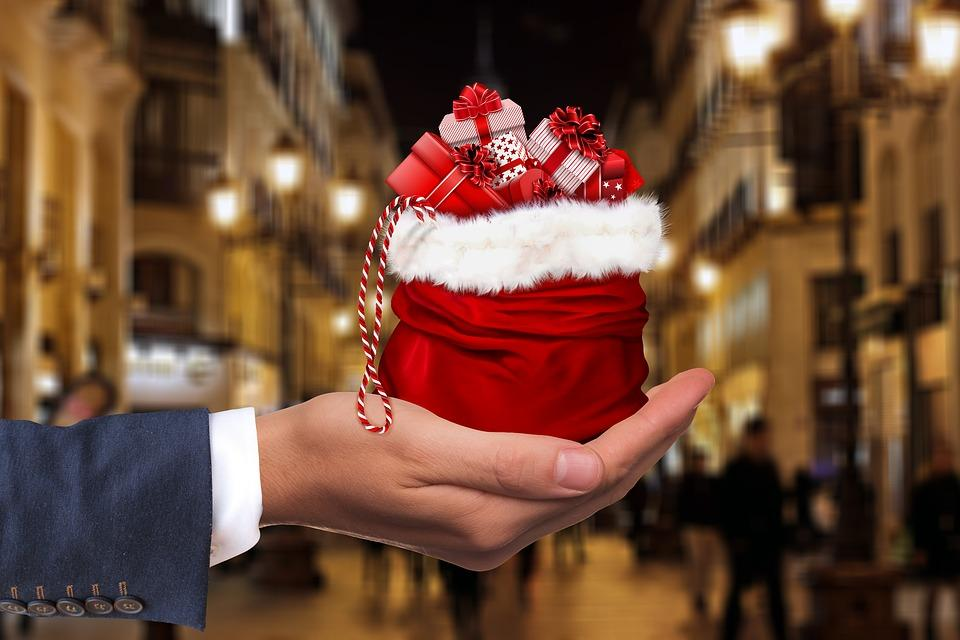Hungarians To Spend 3-4% More On Christmas Presents This Year