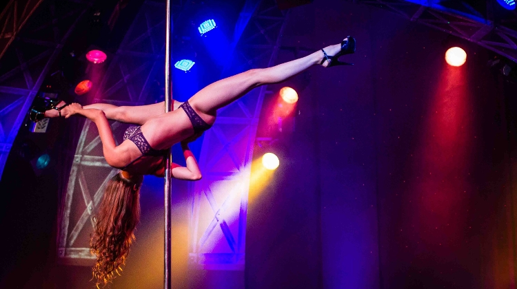 9 budapest club erotic in night