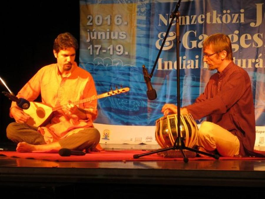 'Indian Fusion Music' Concert By Duo Darbar, Budapest, 9 January