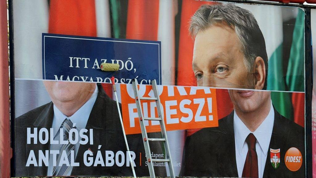 Zoom.hu: Fidesz-Connected Agencies Have Reserved All Available Billboards In Run-Up To Election